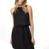 TenTree Cypress fekete női ruha Tencel modell2_előröl