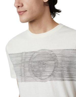 Topographic férfi póló egészen közeli
