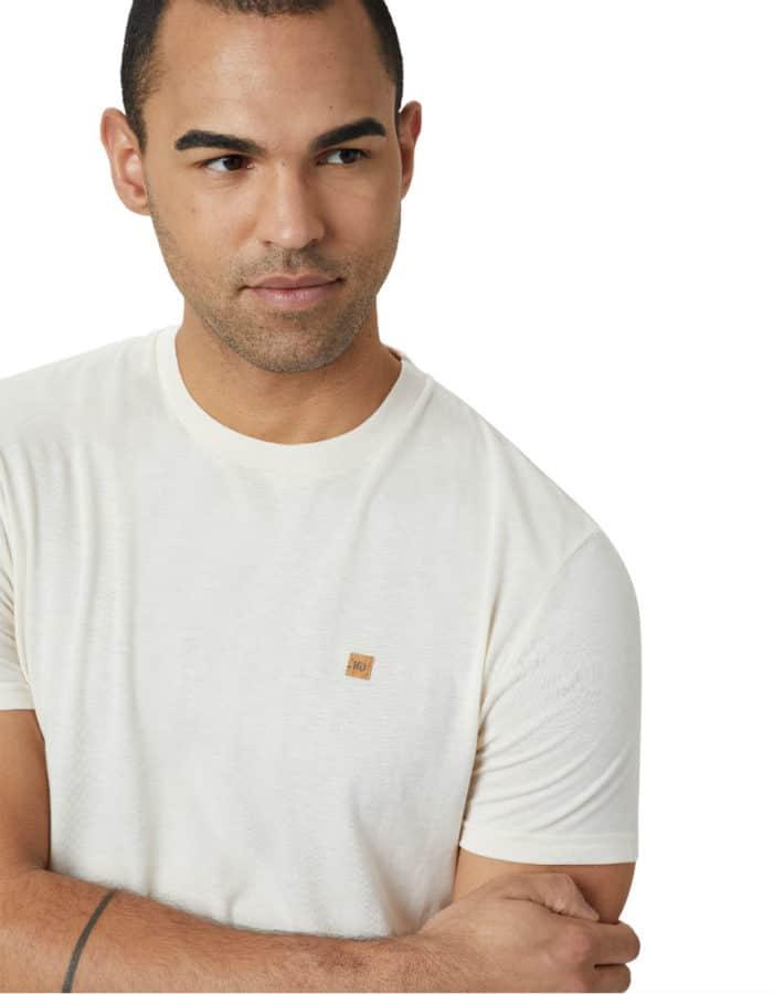 TreeBlend póló törtfehér színben- a hétköznapok kényelme