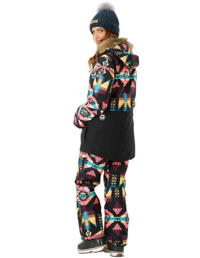 Apply 2 újrahasznosított női síkabát modell full hátulról