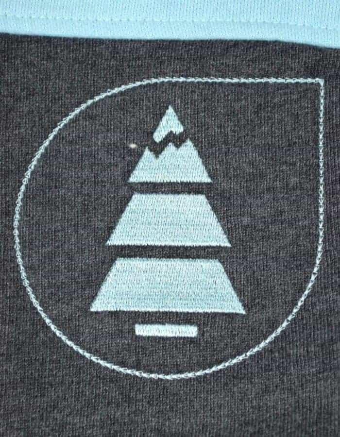 Basement plush női pulóver: a fenyő ami mindent elárul