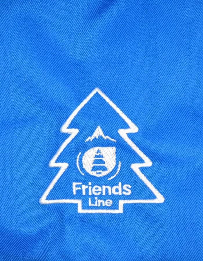 Flying síkabát kék fenyőfás logo