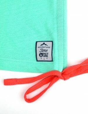 Move up korall-zöld ruha, felvarrt címke közelről