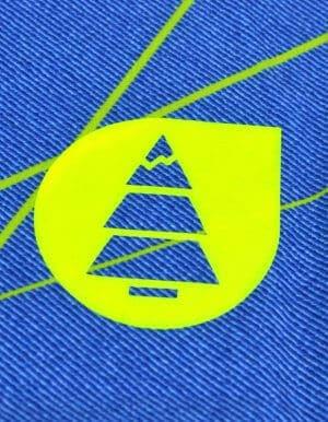 Redwood boardshort a menő logó